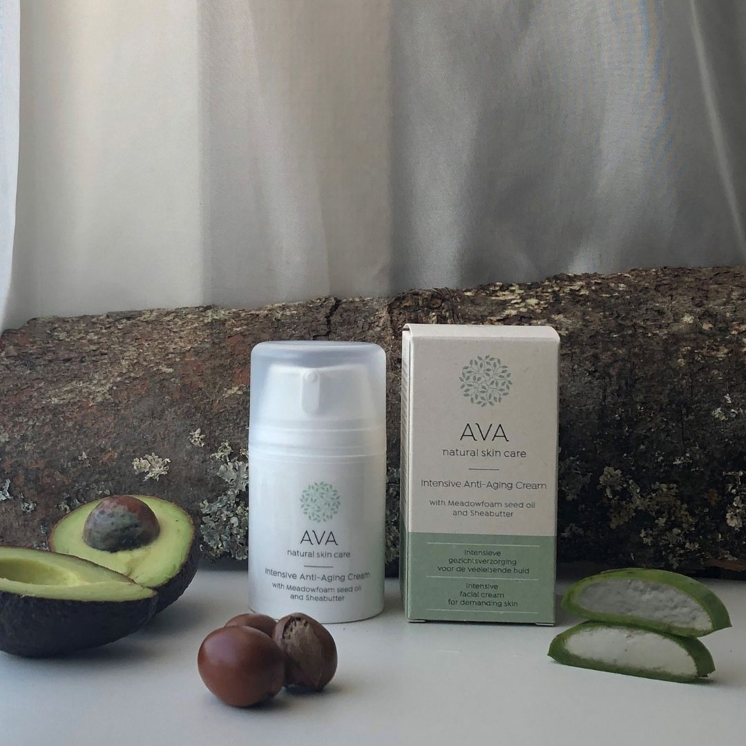 https://www.avanaturalskincare.com/Moisturizing-Day-cream-with-organic-macadamia-oil-for-healthy-skin